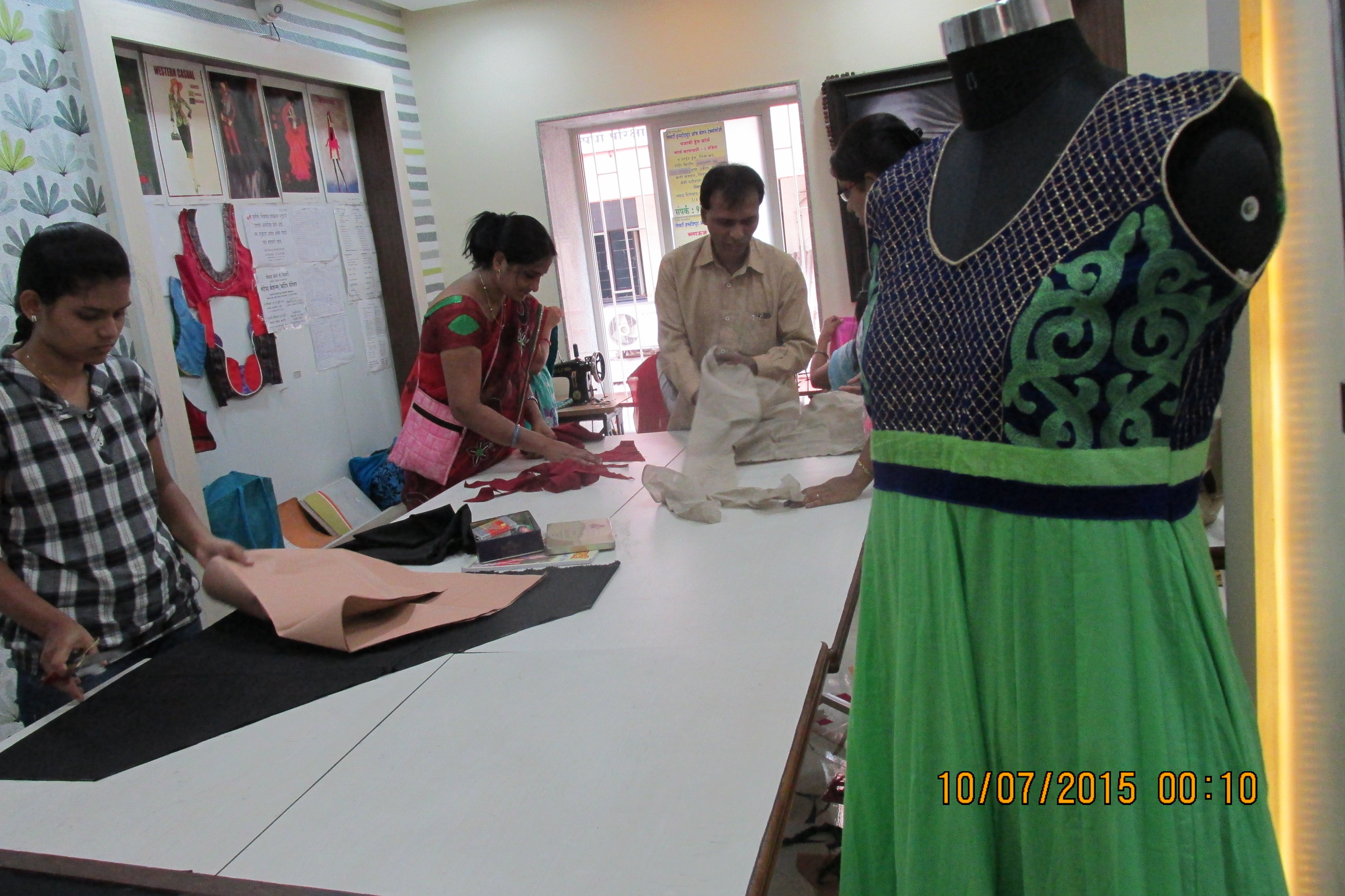 Fashion designing courses fees in pune